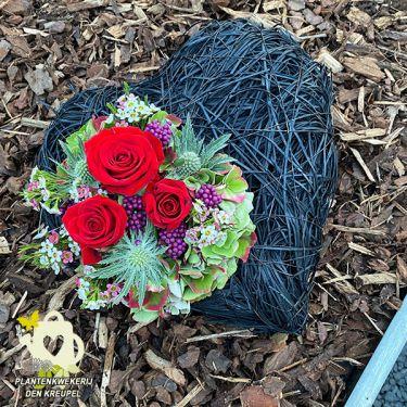 a1-a-bloemstukken-hart-zwart