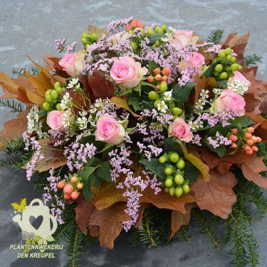 bloemstuk-roze-roosjes
