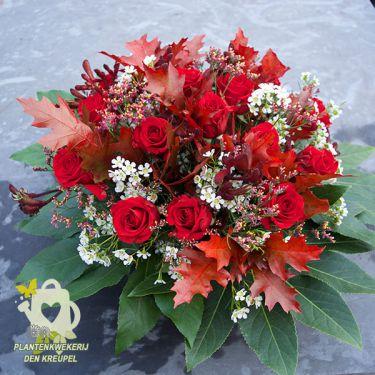 grafdecoratie-rode-rozen