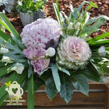 paarse-tinten-bloemstuk